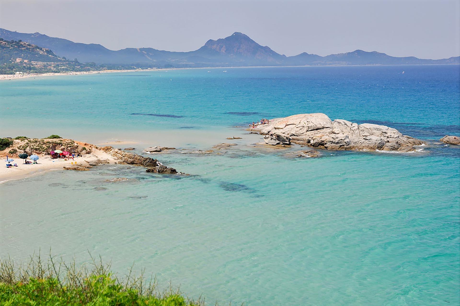 https://it.fotolia.com/p/201257913 Spiaggia di Santa Giusta – Scoglio di Peppino