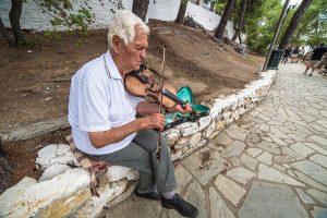 Artista di strada a Skiathos Town