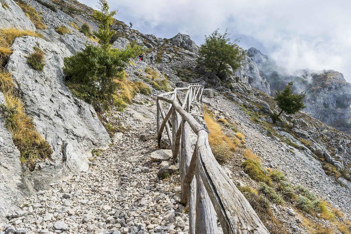 Sentiero che porta sul Monte Redentore - Parco dei Monti Aurunci