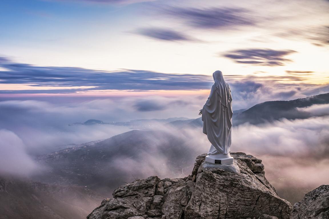 Statua della Madonna lungo il Sentiero del Redentore - Parco dei Monti Aurunci
