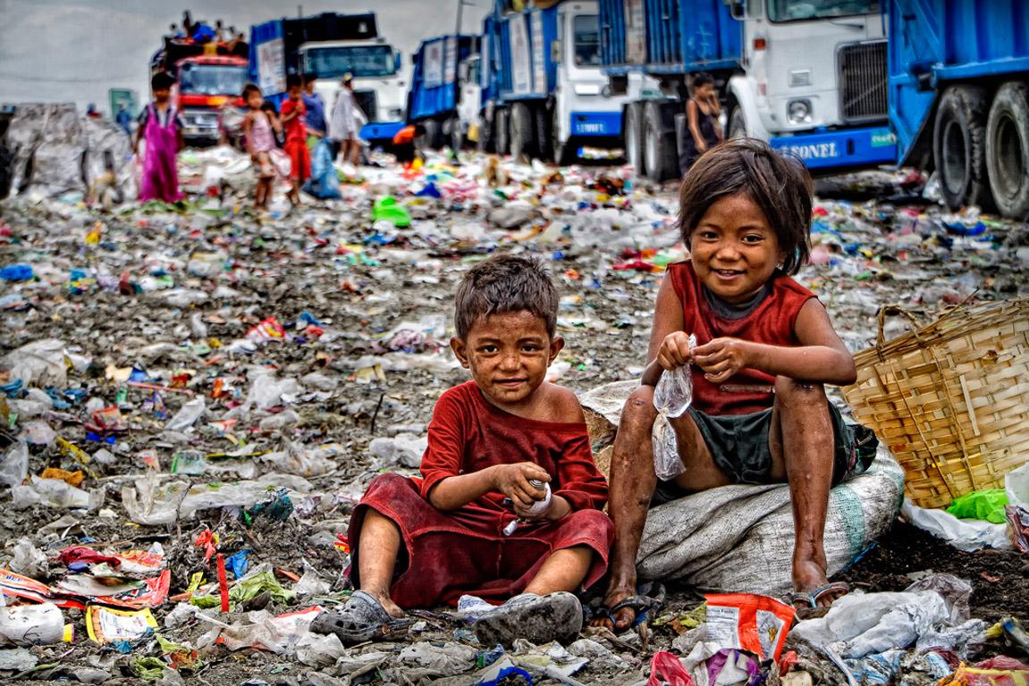 Bambini degli slums di Manila