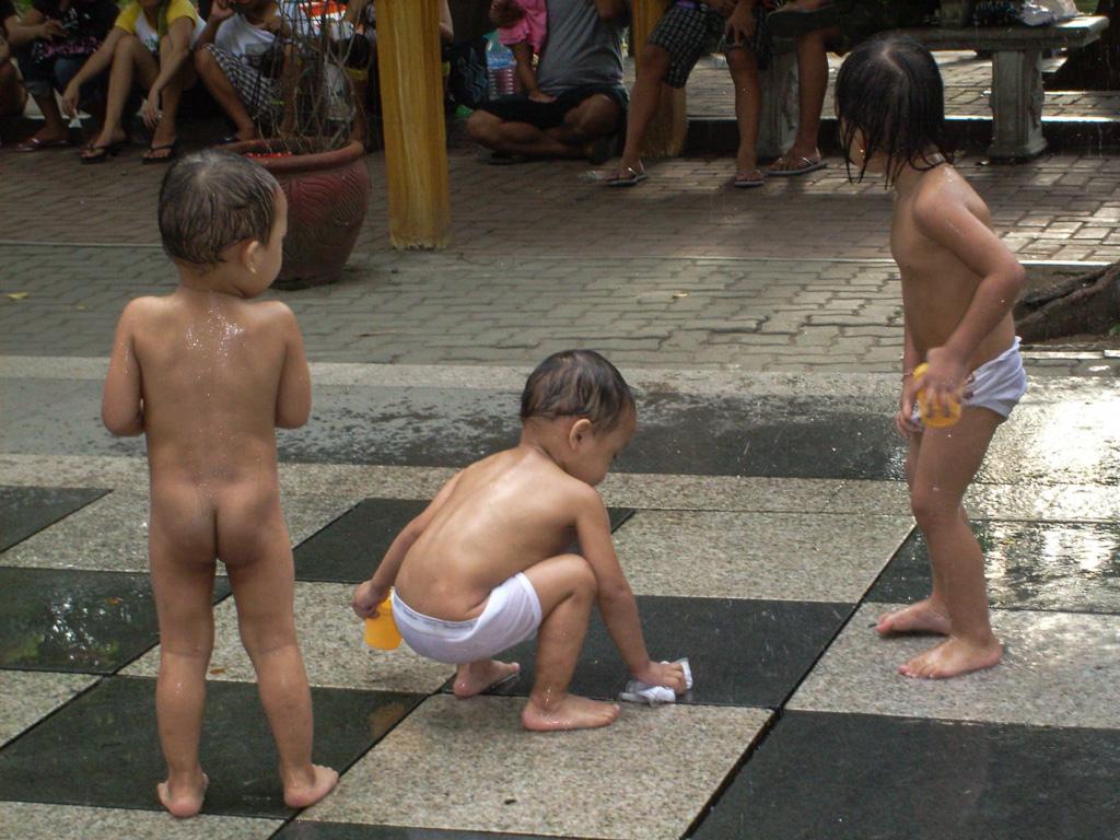 I bamibini di Manila