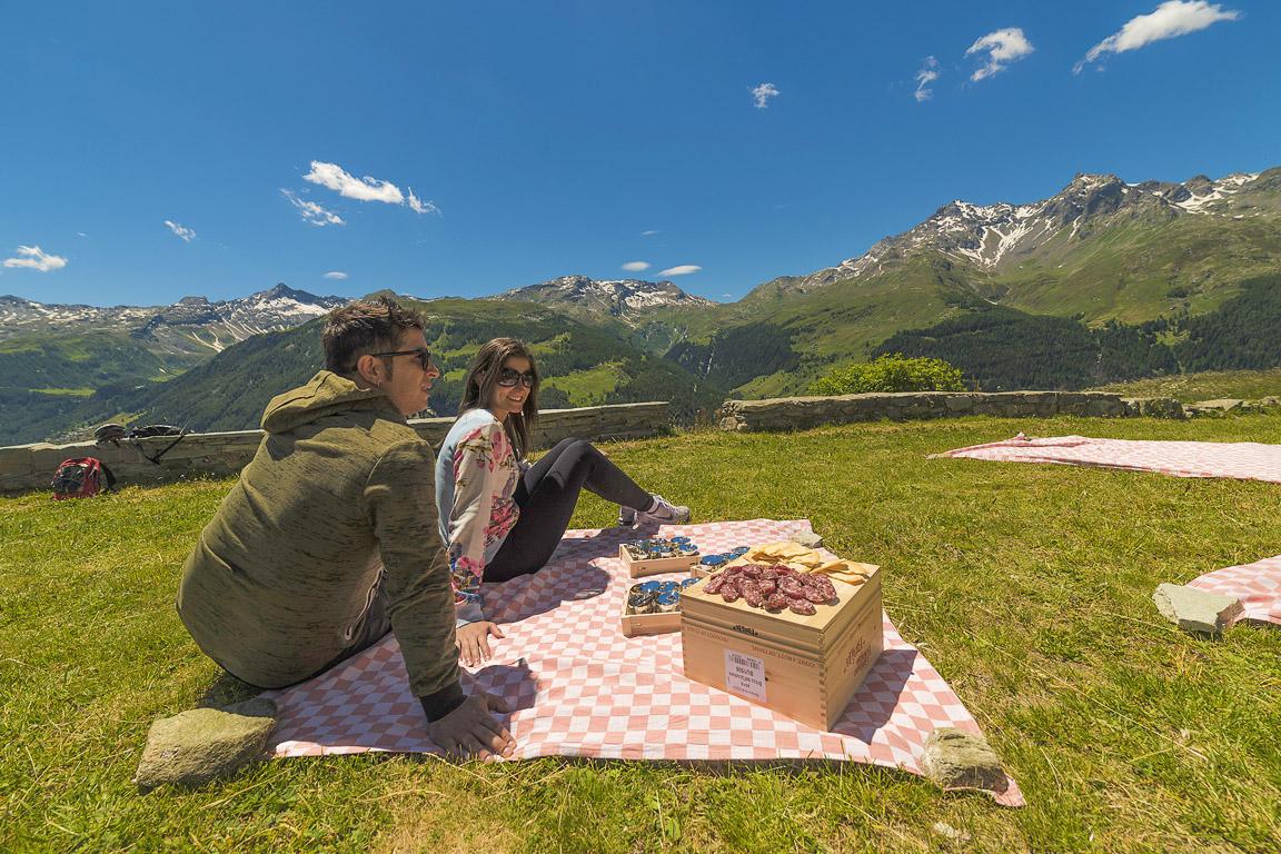 Pic-nic gourmet presso la Chiesa di San Rocco – Sentiero degli Andossi (Valchiavenna)