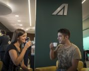 Colazione presso la Lounge Casa Alitalia Piazza Navona Terminal 1 dell'aeroporto di Roma Fiumicino