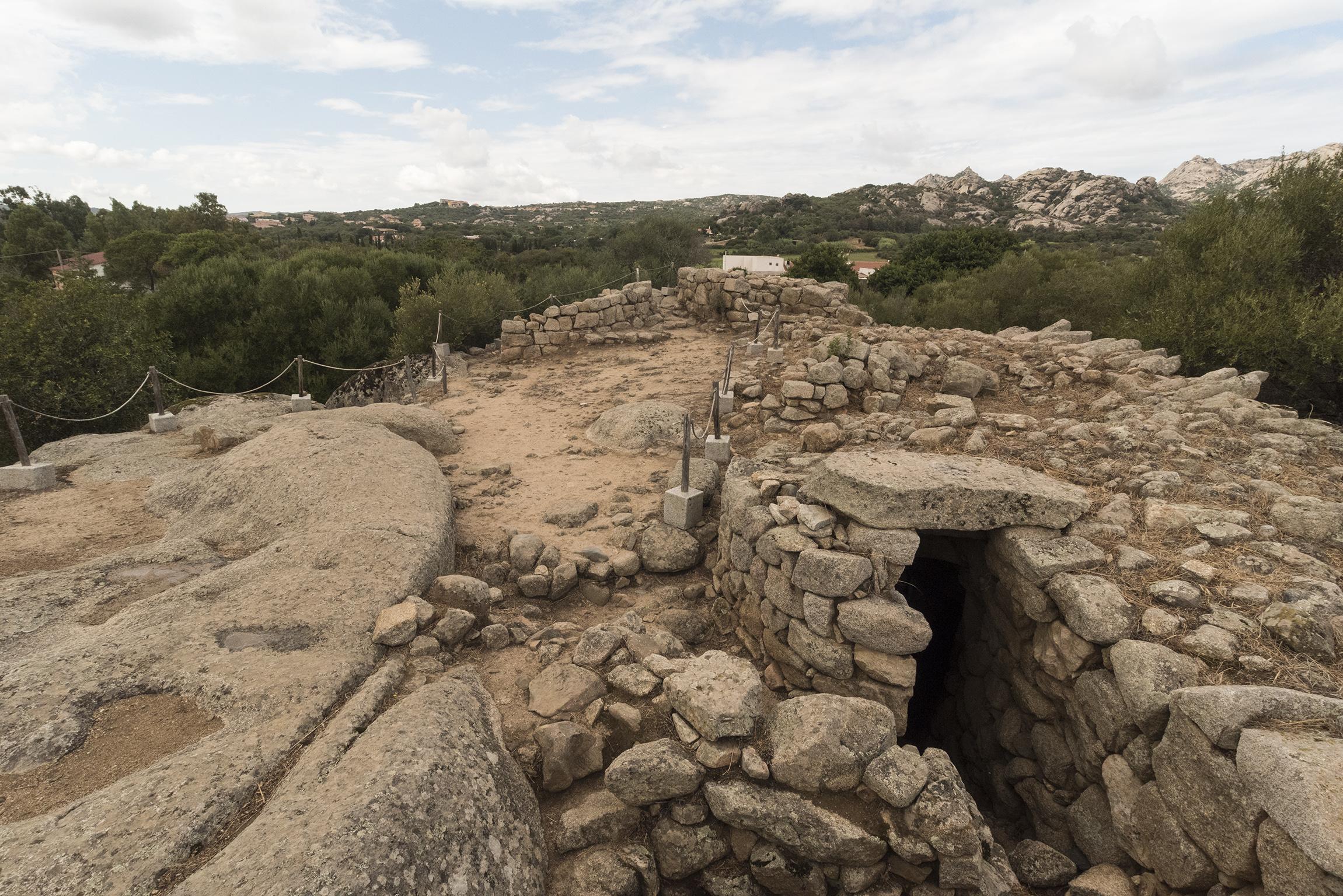 Terrazza del Nuraghe Albucciu - Parco archeologico di Arzachena