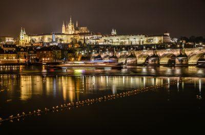 Veduta del Castello di Praga e Ponte Carlo