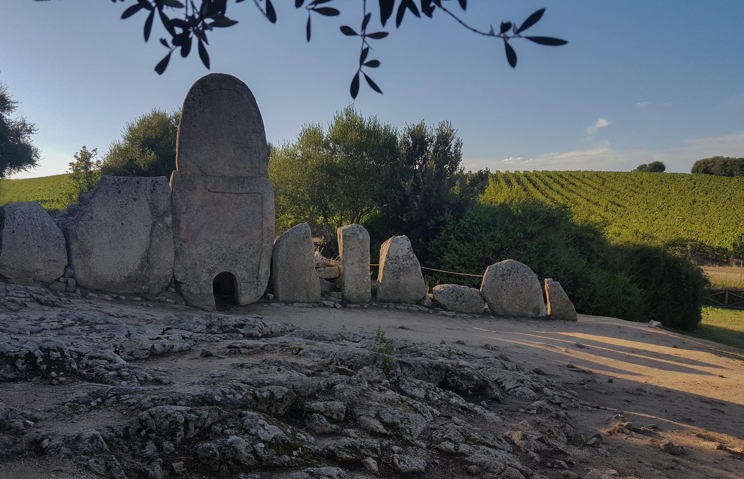 Tomba dei Giganti Coddu 'Ecchju - Arzachena