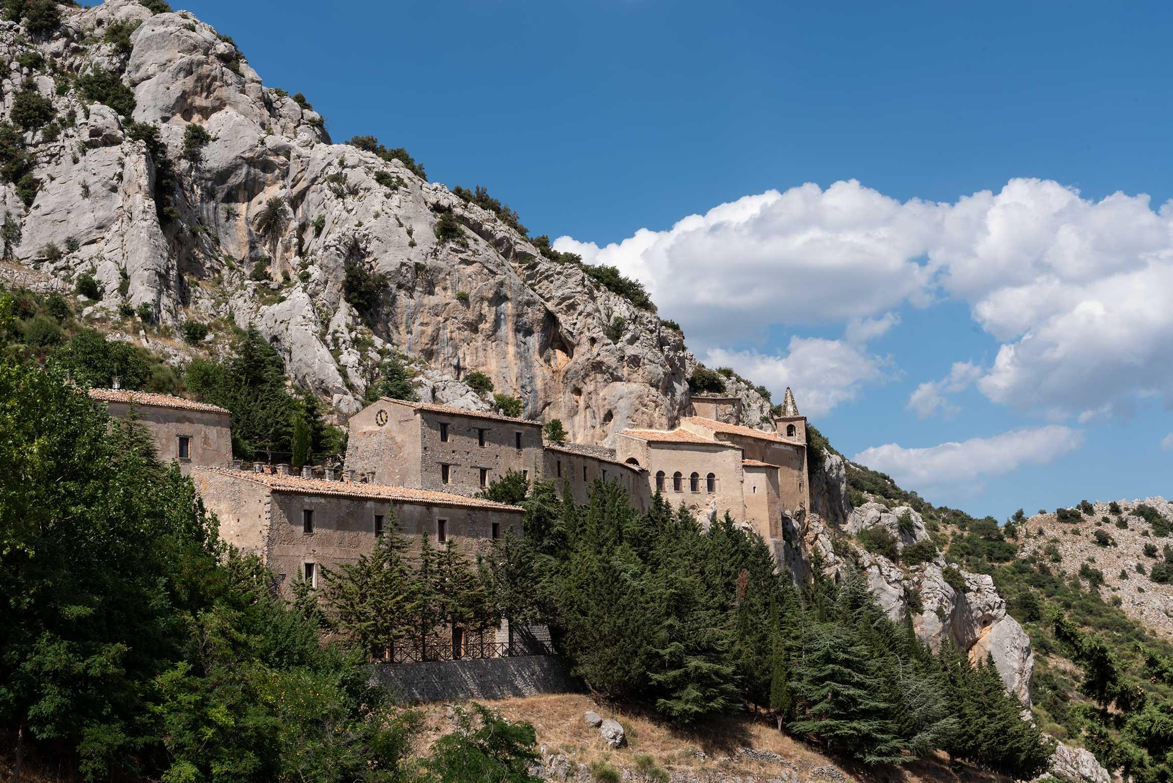 Turismo esperienziale in Calabria: visitare il Santuario di Santa Maria delle Armi