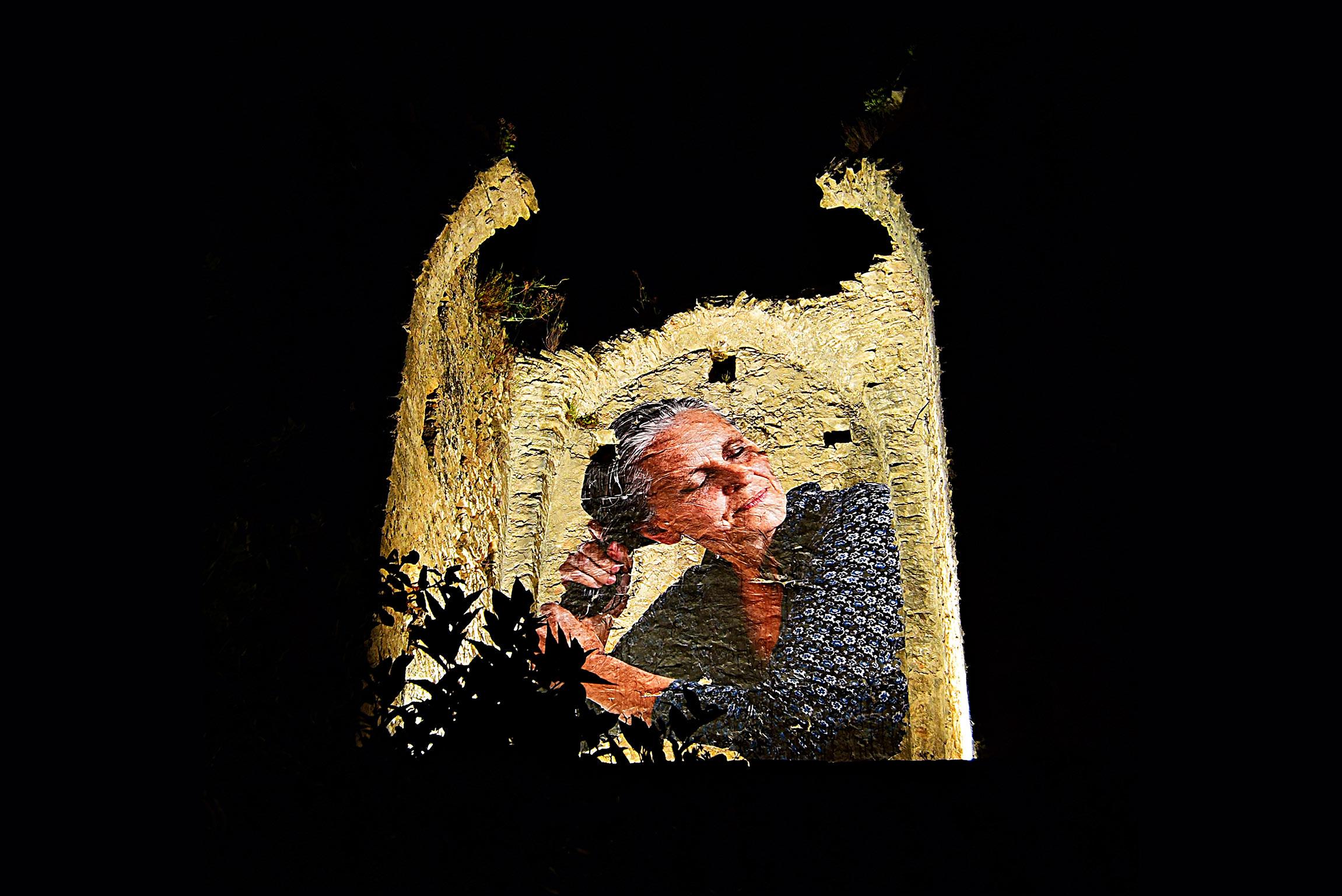 """""""Il bicchiere mezzo pieno"""" - Murales di Bifido (Credits: Marcello De Meo)"""