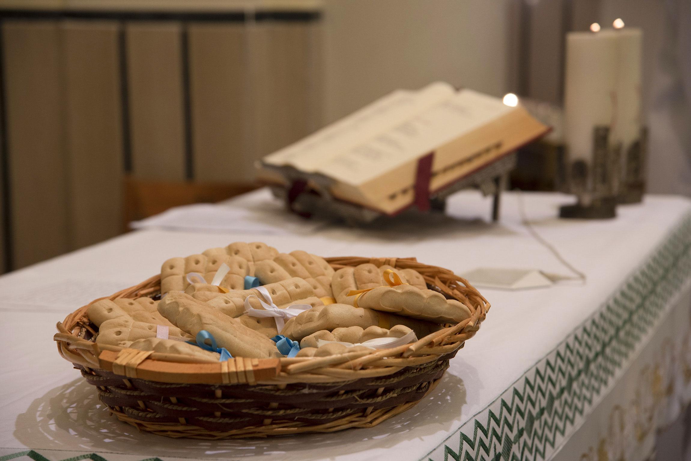 Benedizione dei pani di San Biagio - feste e tradizioni