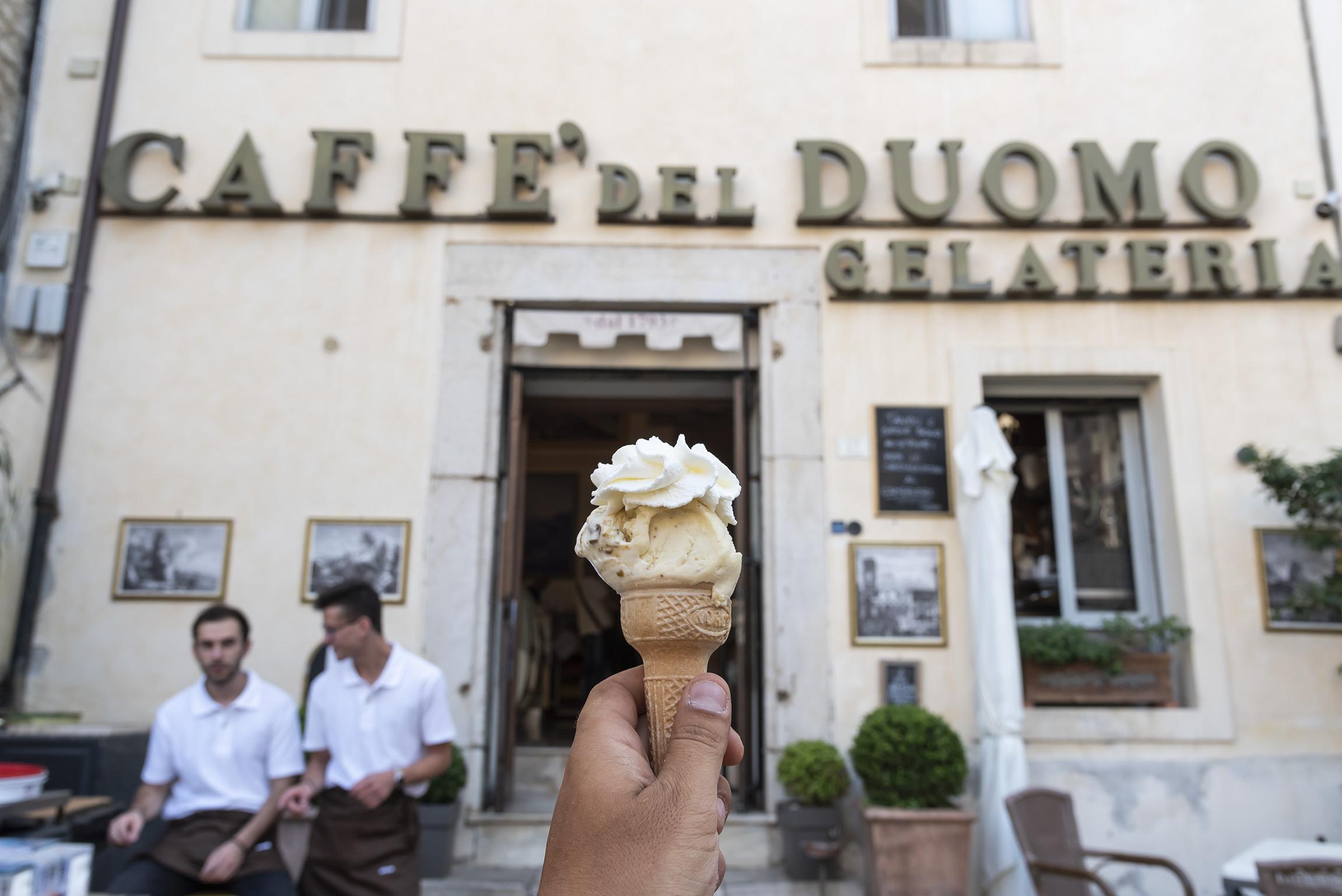 Esperienze a Terracina: mangiare il gelato a Caffè del Duomo
