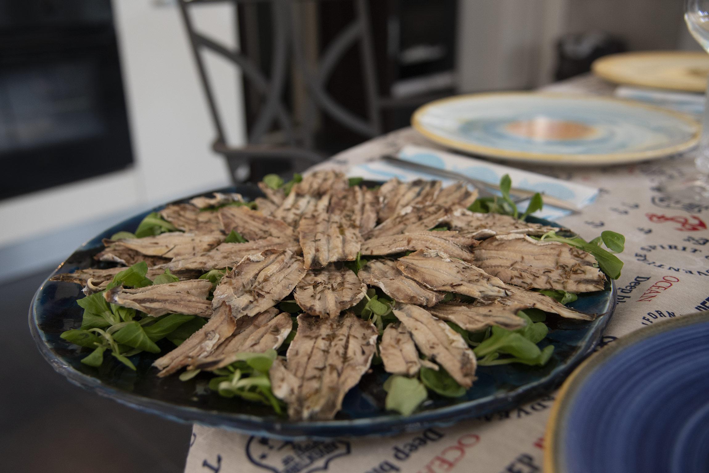 """Alici locali al forno condite con olio, sale e timo - Home Restaurant """"A CASA DI MARCO"""""""