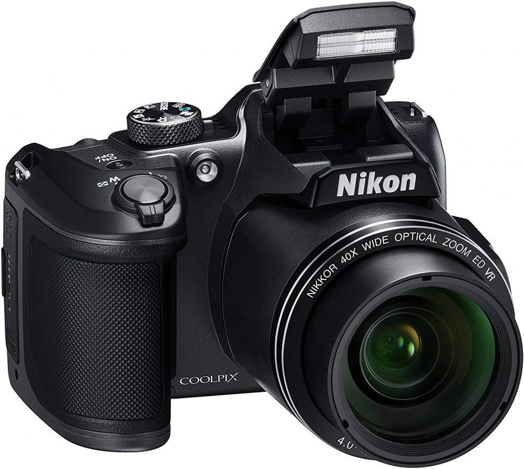 Cosa regalare a un viaggiatore amante della fotografia: macchina fotografica