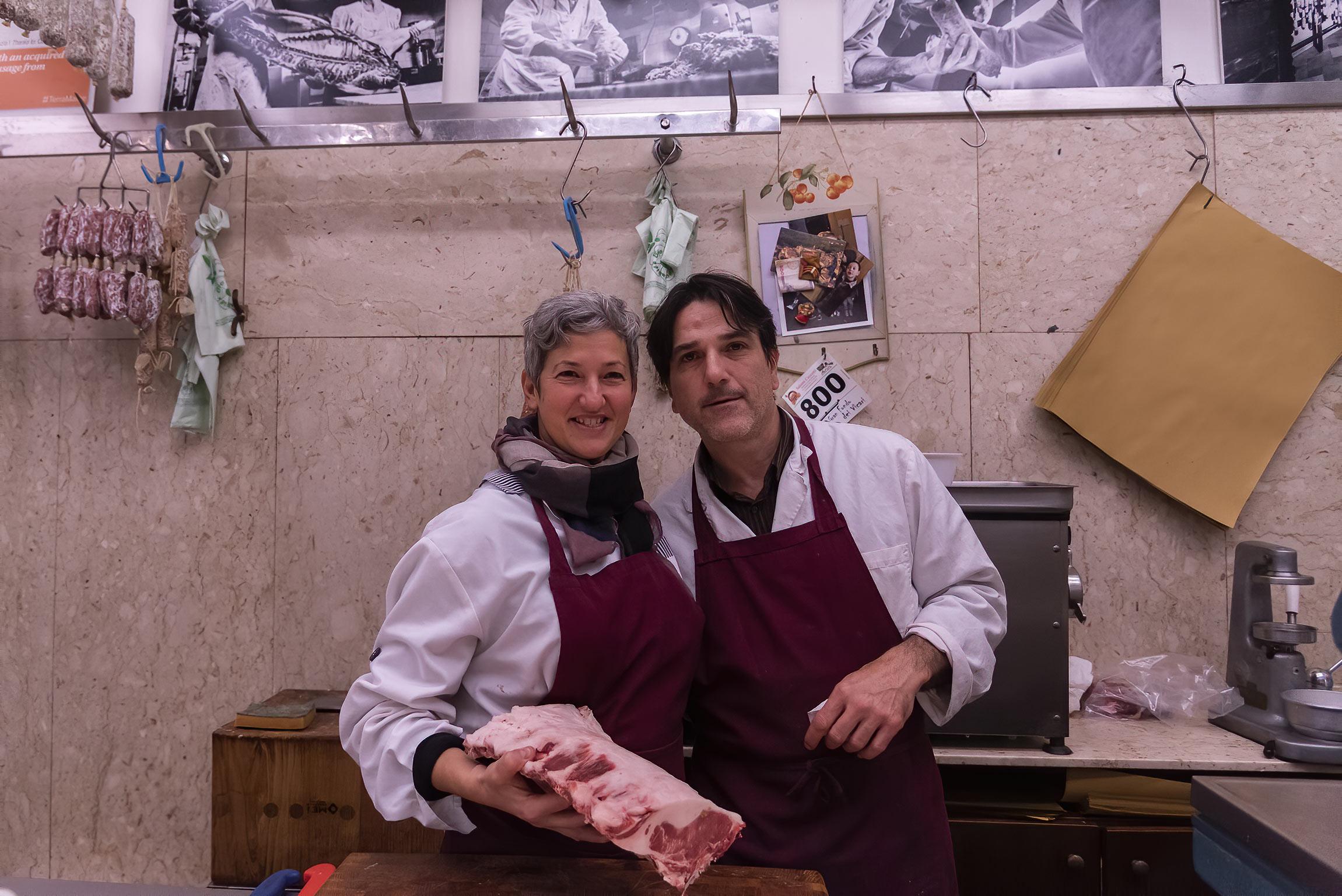 Simone e Barbara della Macelleria Ceccotti a Lari