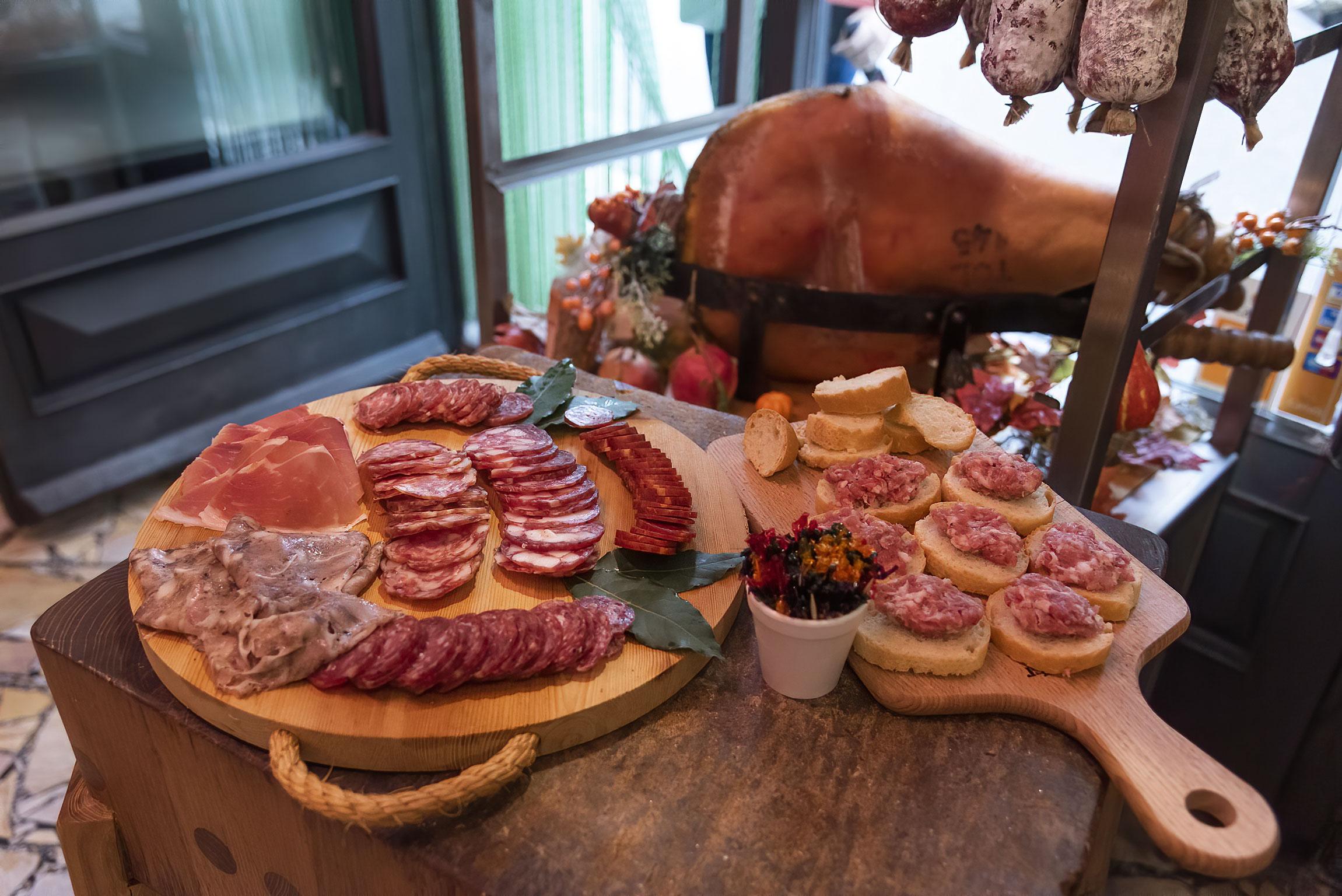 Degustazione presso la Macelleria Balestri a Lari