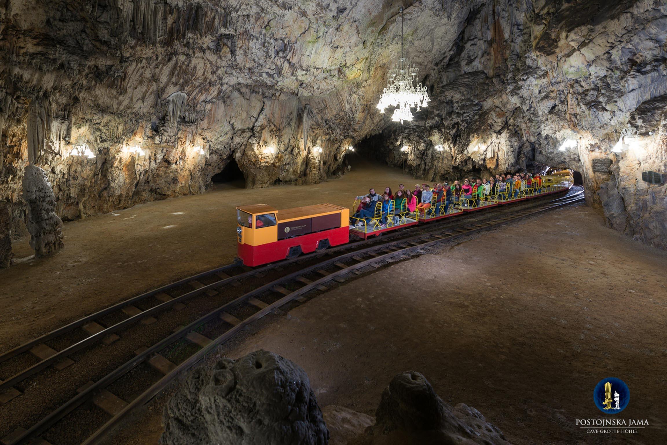 La ferrovia sotterranea a doppio binario