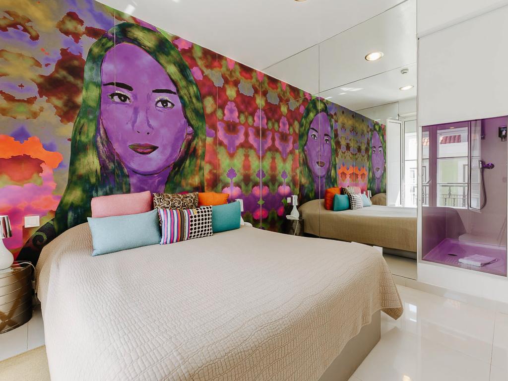 Colori e interni di uno degli appartamenti (Credits: Lisbon Art Stay Apartment Baixa)