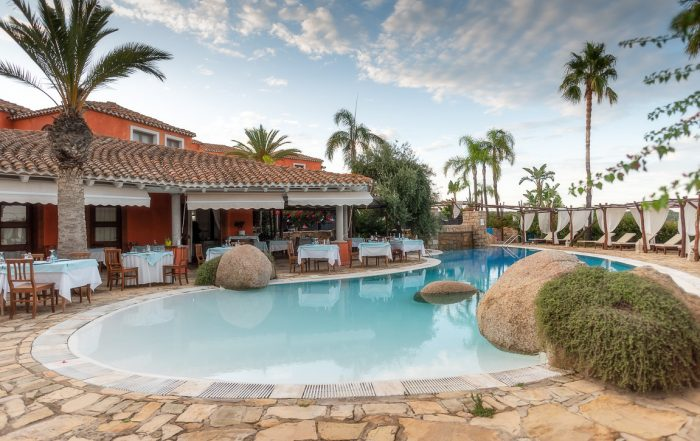 Piscina del Galanias Hotel & Retreat