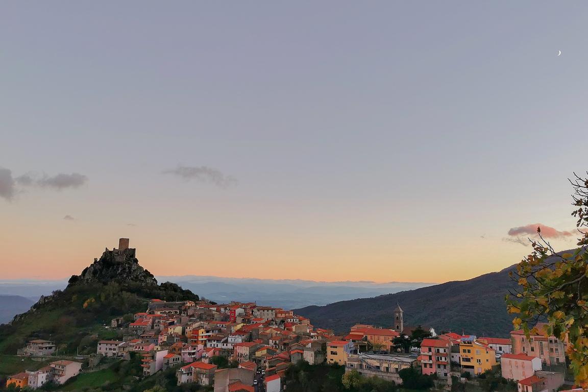 Vista su Burgos in Sardegna