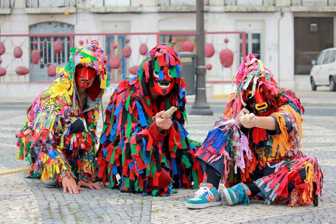 Tradizioni di Natale in Europa:la Festa dos Rapazes (Credits: vortexmag.net)