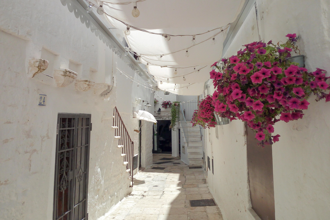 Trascorrere il weekend di Pasqua in Puglia in Valle D'Itria Credits Posh Backpackers)